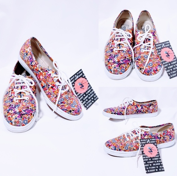 Vans Shoes - Van's floral print lace up sneakers size 6